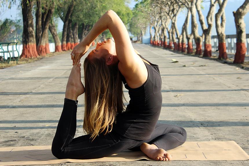 Acro Yoga Classes in Rishikesh